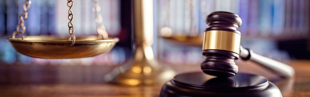 Scales of justice gavel legal services